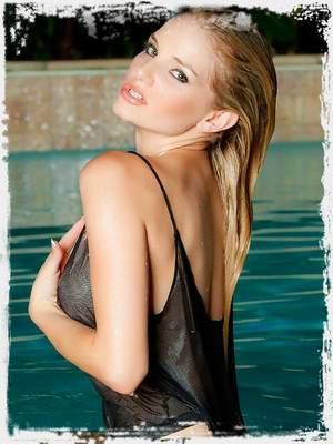 Liz Ashley Pics ; Nu Erotica