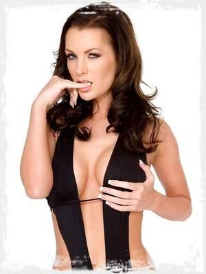Brandi Edwards looking fine in a sexy swimsuit