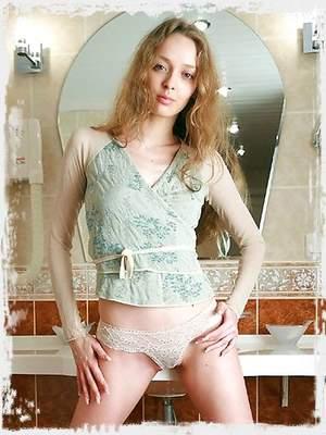Zinaida Pics ; Av Erotica