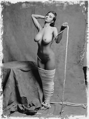 Free Natalie Pics ; Morey Studio