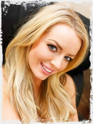Hannah Claydon XXX ; UK Tickling