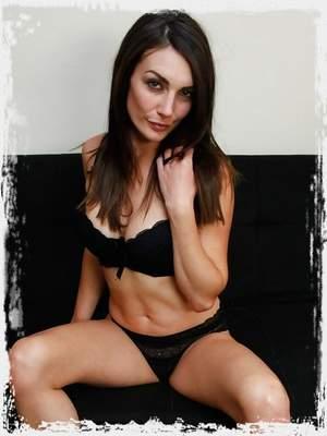 Zoe XXX ; UK Tickling